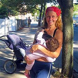 mothers running marathons while breastfeeding